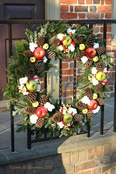 williamsburg va christmas decorations large porch wreaths flickr photo sharing - Williamsburg Decorated For Christmas