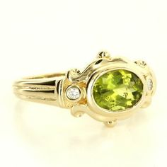 Estate 14 Karat Yellow Gold Diamond Peridot Cocktail Ring Fine Jewelry $549