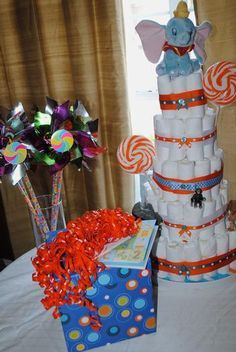 dumbo baby shower ideas | Circus Themed Baby shower. Diaper cake with dumbo