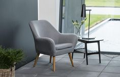 Weekly sales of unseen design and decoration brands at exclusive discounts. Rattan Furniture, Home Decor Furniture, Outdoor Furniture Sets, Furniture Design, Grey Armchair, Living Room Modern, Home Interior Design, Dining Chairs, Office Designs