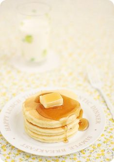 Japanese Hot Cakes ホットケーキ  1 egg Sugar 40g Salt a little Milk 11 0G Plain yogurt 40 G Unsalted butter 20g Cake flour 140g Baking powder 1 teaspoon with 1/2A little vanilla oil