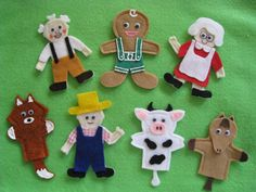 Handcrafted Felt Finger Puppets to accompany the Gingerbread Man Story.