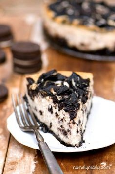 Grab a fork, it's a Cheesecake Factory Vegan Oreo Cheesecake Copycat Recipe! | NamelyMarly.com