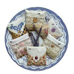 Dried Lavender Flowers, Lavender Bags, Lavender Sachets, Soap Melt And Pour, Sweet Bags, Vintage Handkerchiefs, Elephant Design, Linens And Lace, Unique Presents