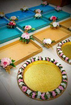 Desi Wedding Decor, Diy Wedding Backdrop, Wedding Stage Decorations, Engagement Decorations, Wedding Crafts, Bridal Gift Wrapping Ideas, Creative Gift Wrapping, Pista Shell Crafts, Engagement Gift Baskets