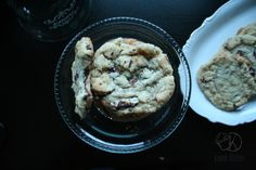 My favorite recipe for vegan chocolate chunk cookies - so simple and yum! Chocolate Chunk Cookies, Vegan Chocolate, My Favorite Food, Favorite Recipes, My Favorite Things, Oatmeal, Vegan Recipes, Kawaii, Simple
