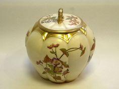 VICTORIAN ROYAL WORCESTER CHINA BISCUIT BARREL / BOX c. 1880 (United Kingdom)