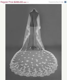 The Vintage Bride! Treasury List by Florence on Etsy Vintage Bridal is hot this season! Come check out some of my favorite looks!
