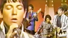 """26-Year-Old Eric Burdon Is Unstoppable In """"When I Was Young"""" Performance"""