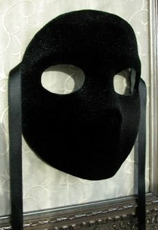 The Masquerade Mask: The Black Velvet Moretta