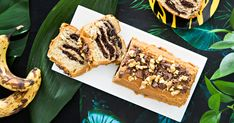 Tämä hittiherkku on yhdistelmä suosittua banana breadiä eli banaanileipää ja klassista tiikerikakkua. Tähän kakkuun upotat kätevästi tummuneet banaani Piece Of Cakes, Lidl, Waffles, Baking, Breakfast, Desserts, Food, Morning Coffee, Tailgate Desserts