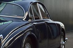 curves Jaguar S Type, Jaguar Cars, Classic Motors, Classic Cars, Alfa Cars, England Germany, Automobile, Jaguar Daimler, Car In The World
