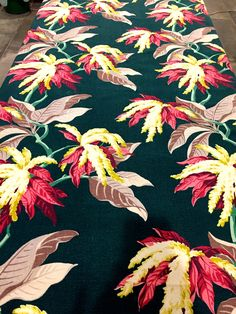 Stunning Vintage 40s Tropical Barkcloth Fabric// Hollywood Glam Extraordinaire// Cotton Yardage// Upholstery// Drapery// Home Decor// by KimberlyZ on Etsy https://www.etsy.com/listing/539370547/stunning-vintage-40s-tropical-barkcloth