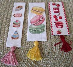 Cross Stitch Beginner, Easy Cross Stitch Patterns, Small Cross Stitch, Cross Stitch Designs, Cross Stitch Bookmarks, Cross Stitch Books, Embroidery Patterns, Hand Embroidery, Geek Crafts