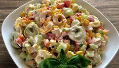 Sałatka z tortellini i pysznym sosem Best Appetizer Recipes, Good Healthy Recipes, Grilling Recipes, Whole Food Recipes, Salad Recipes, Cooking Recipes, Tortellini, New Year's Food, Pasta Salad