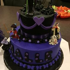 Disney Villian's Party#DisneySide - See Pauline and Halle's party!