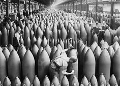 Munitions Production On The Home Front During The First World War, Chilwell, Nottinghamshire, c - IWM via Getty Images World War One, First World, Heavy Metal, Shell Factory, Gil Scott Heron, Military Photos, Historical Pictures, Antique Art, Canvas Art Prints