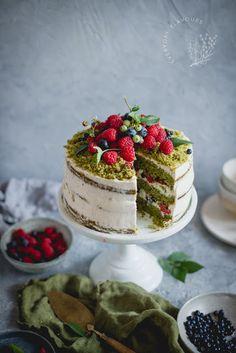 healthy banana mug cake Moss Cake, Spinach Cake, Banana Mug Cake, Types Of Cakes, Cake Art, Food Inspiration, Cravings, Cake Recipes, Food Cakes