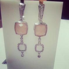 Серебряные серьги с розовым агатом