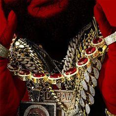 Rick Ross lanza el videoclip oficial del tema Hood Billionaire. Este trabajo esta bajo la dirección de Dre Films. Disfrutadlo.