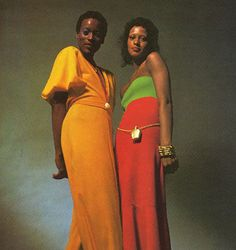Homage to Stephen Burrows: Naomi Sims and unknown model, Black Fashion Designers, Black Women Fashion, Womens Fashion, Black Supermodels, Color Blocking Outfits, Coloured Girls, Vintage Black Glamour, Sixties Fashion, Black Image