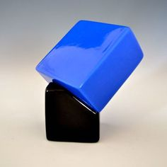 Richard Tuttle The End, 2014  Ceramic Earthenware with Low fire Black Gloss Glaze and Ultramarine Gloss Glaze. Edition of 75 works, 37 for Tate Modern.
