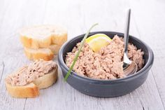 Tuna rillettes: the best recipe Tapas, Healthy Dinner Recipes, Healthy Snacks, Vegan Recipes, Tapenade, Comfort Food, Light Recipes, Food Pictures, Brunch