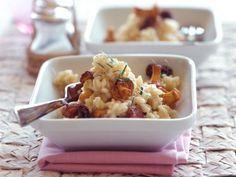 Pfifferlings-Risotto mit Morcheln ist ein Rezept mit frischen Zutaten aus der Kategorie Risotto. Probieren Sie dieses und weitere Rezepte von EAT SMARTER!