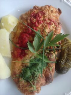 Trojfarebné rezne Russian Recipes, Vegetable Pizza, Zucchini, Polish, Vegetables, Food, Vitreous Enamel, Essen, Vegetable Recipes