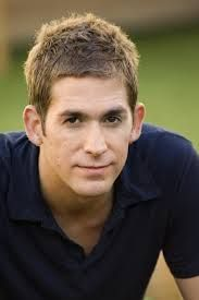 Born: July 24th 1975 Eric Kyle Szmanda is an American actor. He portrays Greg Sanders in the CBS police drama CSI: Crime Scene Investigation. {CSI Level III} (DNA Tech., seasons 1–5; CSI Level I, seasons 5–7; CSI Level II, seasons 8–9)