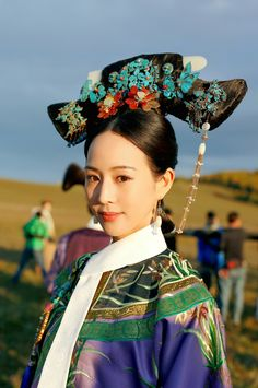 Chinese Traditional Costume, Traditional Outfits, Oriental Fashion, Chinese Fashion, Dragon Girl, Chinese Movies, Beautiful Costumes, Chinese Clothing, Kimono