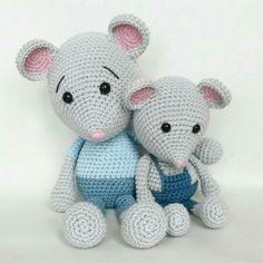 Mouse amigurumi crochet toy