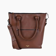 Lightweight and thoughtfully designed, this stylish laptop bag is made with beautiful Italian leather and specially engineered lining. Free shipping.