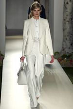 Relaxing fresh whites. Mulberry Spring 2013 Ready-to-Wear Collection