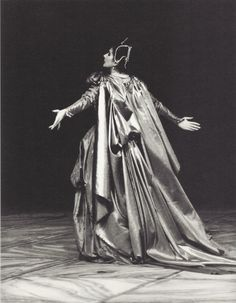Maria Callas in Iphigenie en Tauride. Carrying her costume as only she knew how.
