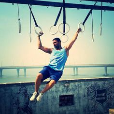 Akshay Kumar Workout Routine, Diet, and Body Measurements Akshay Kumar Style, India Live, Twinkle Khanna, Indian Man, Indian Celebrities, Bollywood Stars, Going To The Gym, Gq, The Man