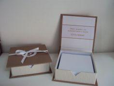 Lembrancinha Maternidade Sofisticada, caixa bloco com bordado na tampa. Sophisticated Maternity souvenir. www.mimosart.com.br