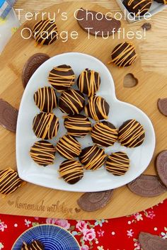 - Jane's Patisserie - Terry's Chocolate Orange Truffles! Luscious and scrumptious Terry's Chocolate Orange Truffles t - Christmas Truffles, Christmas Sweets, Christmas Baking, Christmas Holidays, Christmas Chocolate, Homemade Sweets, Homemade Candies, Homemade Truffles, Homemade Chocolate Recipes