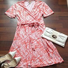 Dress NWOT 95%Polyester 5% Rayon faux wrap dress 3x 20/22 dress is orange and white Boutique Dresses