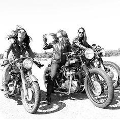 caferacerxxx:  These girls ❤️ These bikes ❤️❤️ #NewEngland @mpgmotozen #caferacerxxx #caferacerworld #caferacerculture
