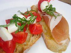 Nem vagyok mesterszakács: 50 szendvicskrém, pástétom, szendvics-saláta – házi kenyér és péksütemény ajánlattal Bruchetta, Parma, Caprese Salad, Ethnic Recipes, Food, Meal, Eten, Meals