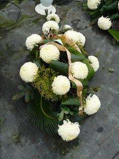 Beautiful Flower Arrangements, Floral Arrangements, Beautiful Flowers, Grave Decorations, Fall Flowers, Ikebana, Funeral, Floral Wreath, Bouquet