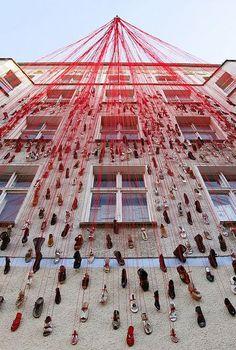 Chiharu Shiota - installation