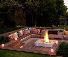 Cool DIY & Backyard Fire Pit Ideas with Comfy Seating Area Design Fire Pit Seating, Backyard Seating, Backyard Patio Designs, Fire Pit Backyard, Garden Seating, Backyard Landscaping, Deck With Fire Pit, Seating Areas, In Ground Fire Pit