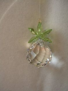 Swarovski Crystal Pineapple Ornament – Clear with Peridot Leaves