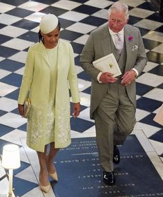 Prince Charles, Prince of Wales and Doria Ragland, mother of the bride, depar after the wedding of Prince Harry and Meghan Markle at St George's Chapel at Windsor Castle on May 2018 in Windsor, England. Prince Charles, Prince William Et Kate, Prince Harry Et Meghan, Meghan Markle Prince Harry, Prince Philip, Prince Of Wales, Princess Diana Brother, Princess Meghan, Prince And Princess