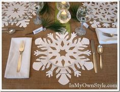 Festive holiday table setting idea you will want to try. These large snowflakes make the best holiday table place mats in less than 2 minutes. A winter wonderland right on your table with little effort. Snowflake Centerpieces, Snowflake Decorations, Christmas Decorations, Christmas Table Settings, Christmas Tablescapes, Holiday Tables, Thanksgiving Table, Christmas Tea, All Things Christmas