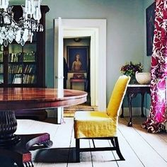 Speaking of yellow - so much to be inspired by in this beautiful image of an interior by UK designer Max Rollitt.  Image repost @salvesengraham @max_rollitt #interiordesign #interiordecoration #inspiration #maxrollitt #yellow #magenta