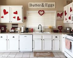 Well my wish for my kiddos to feel better for today's festivities did not come true.😔 In fact a late night visit to the ER determined my youngest two have the flu.😥 So today is being spent full of cuddles and cartoons.❤️ . . . #kitchen #kitchendesign #kitchenstyle #kitchendecor #decorsteals #whitecabinets #valentines #valentines2017 #valentinesday #hearts #homemade #target #targetstyle #farmhousekitchen #decor #decorating #home #homedecoration #homestyle #homestyling #homesweethome…