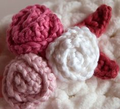 Free Simple Rosettes and Leaves pattern by Tamara Kelly
